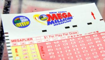 $1.53 Billion Winner Supports Charities